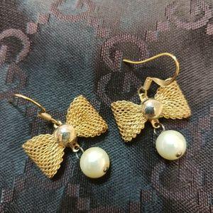 Cute Ribbon Earrings with Pearls
